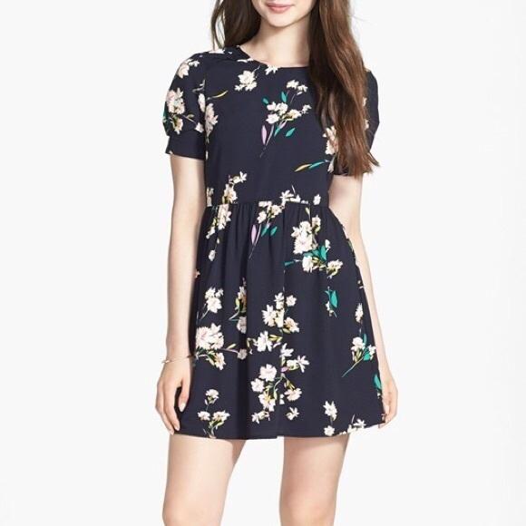 1bb5d75471a Nordstrom Navy Floral Dress. M 5ac5527d05f430747979b2c8